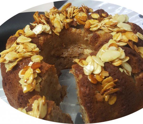 עוגת דבש מייפל עם תפוחים