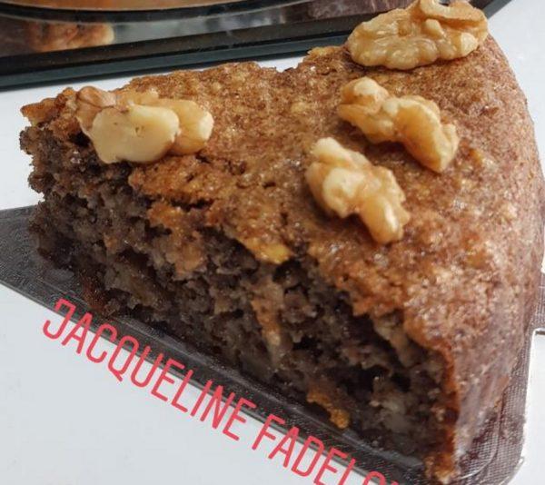 עוגת דבש עם אגוזי מלך