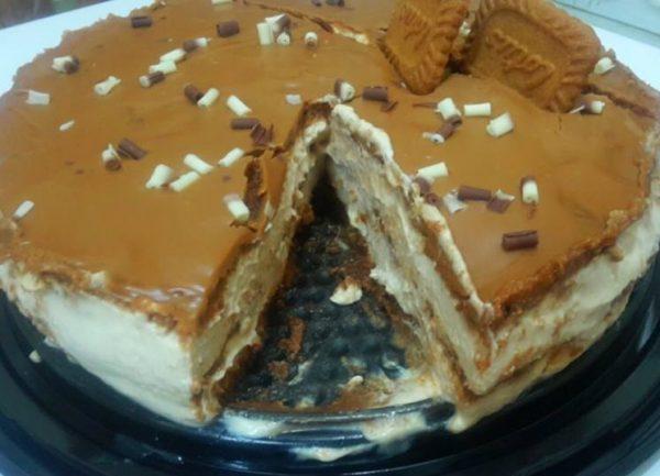 עוגת לוטוס וריבת חלב