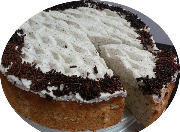 עוגת לימון, פרג, גבינה בזיגוג מייפל וקצפת