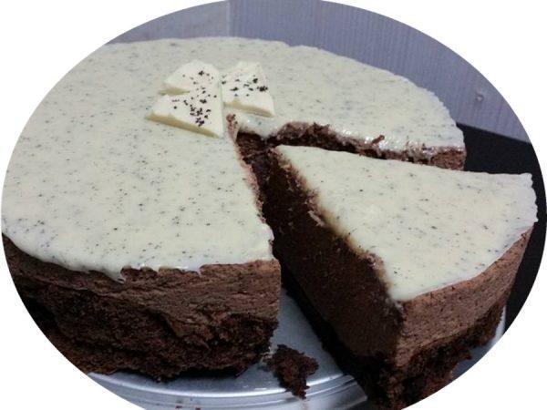 עוגת מוס פרג שוקולדית