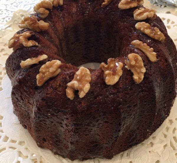 עוגת מייפל מיוחדת עם ממרח תמרים וקוקוס