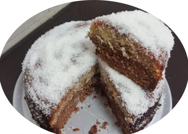 עוגת נוטלה וקוקוס משוישת בזיגוג מייפל_מתכון של אורנה ועלני