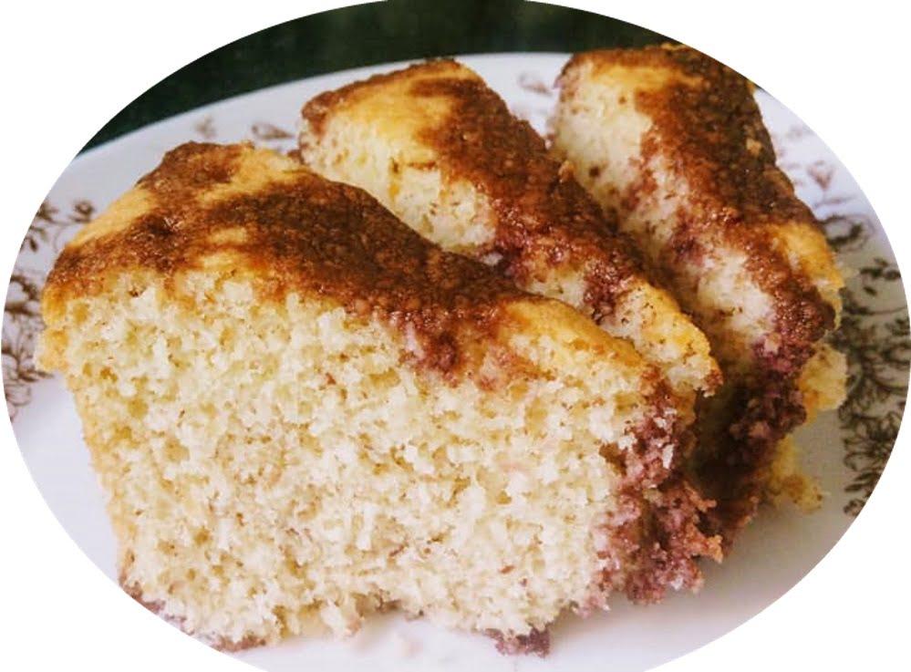 עוגת קוקוס ושקדים עם סירופ ענבים