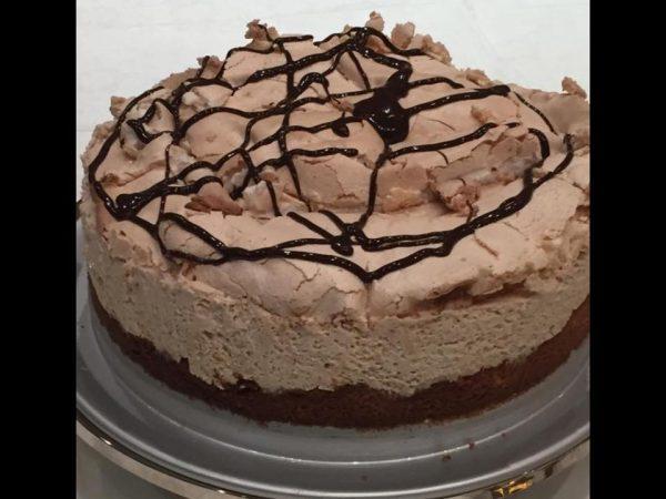 עוגת קצף וקצפת בטעם של נס קפה
