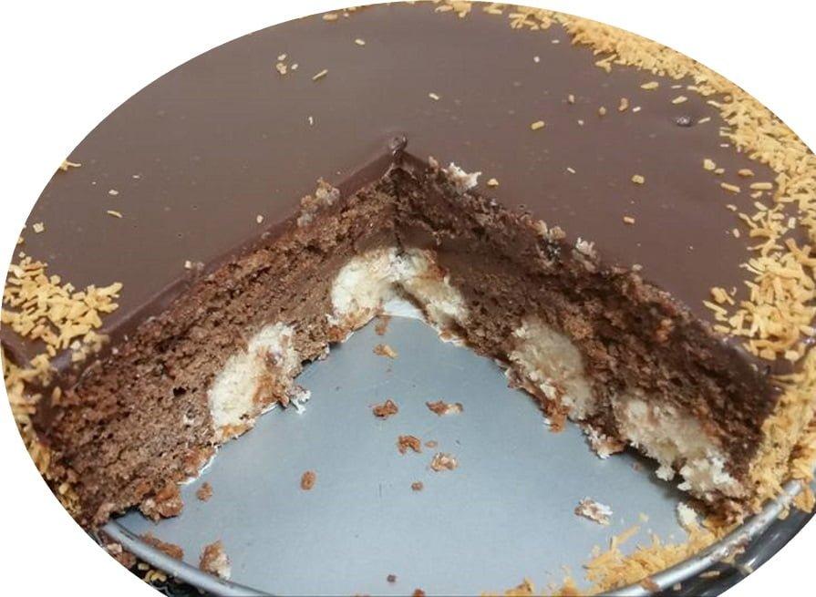 עוגת שוקולד במילוי כדורי קוקוס_מתכון של אורנה ועלני