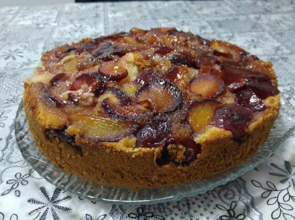 עוגת שזיפים הפוכה