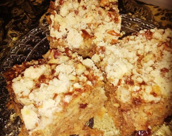 עוגת תפוחים בחושה עם קראמבל