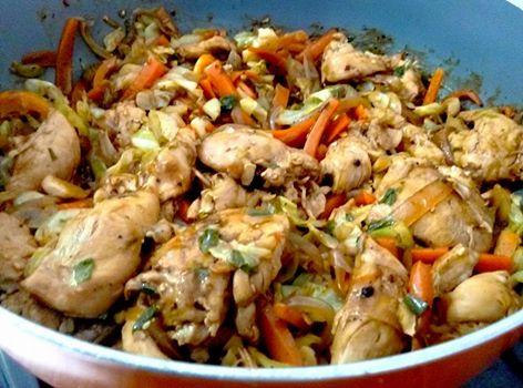 פילטים של חזה עוף עם ירקות