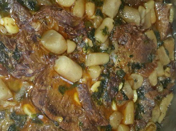 צלי בקר עם תפוחי אדמה ירושלמי
