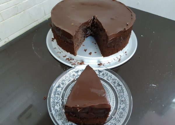 עוגת קרם דבש ושוקולד