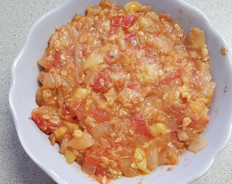 סלט מבושל (קישואים  בצל ועגבניה)