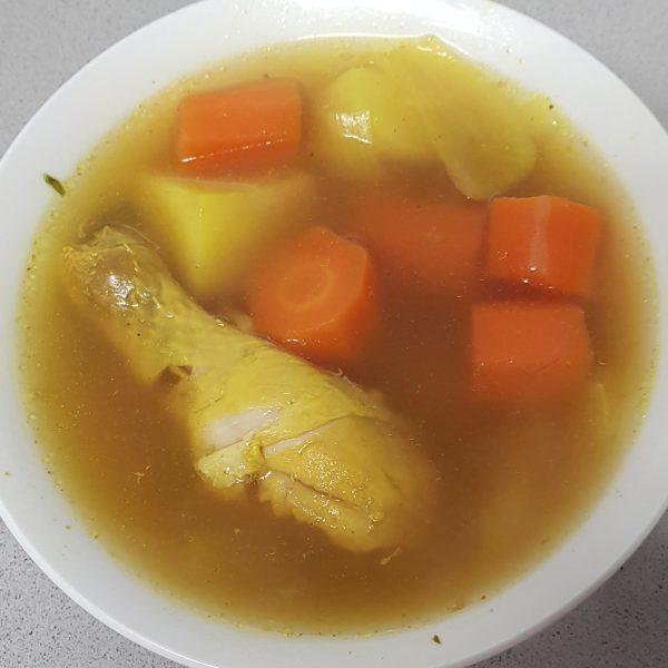 מרק עוף תימני