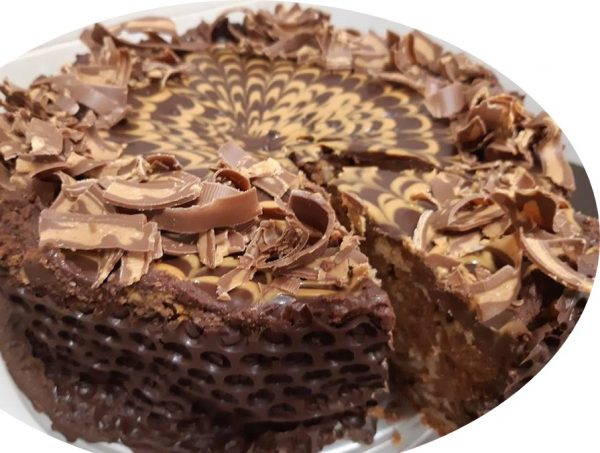עוגת זברה, ממרח בוטנים ושוקולד בזיגוג שוקולד וחמאת בוטנים