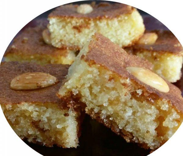עוגת בסבוסה רטובה בסירופ סוכר_מתכון של הילה סמוכה רשתי