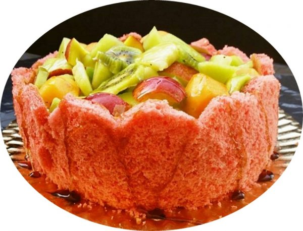 עוגת ספוג וניל עם פירות טריים לקיץ