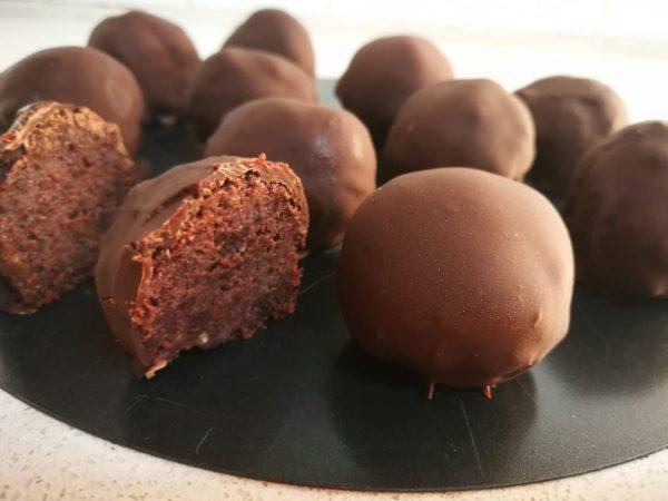 כדורי שוקולד הכי פשוטים בעולם שהפכו ליוקרתיים, כמו פרלינים קטנים