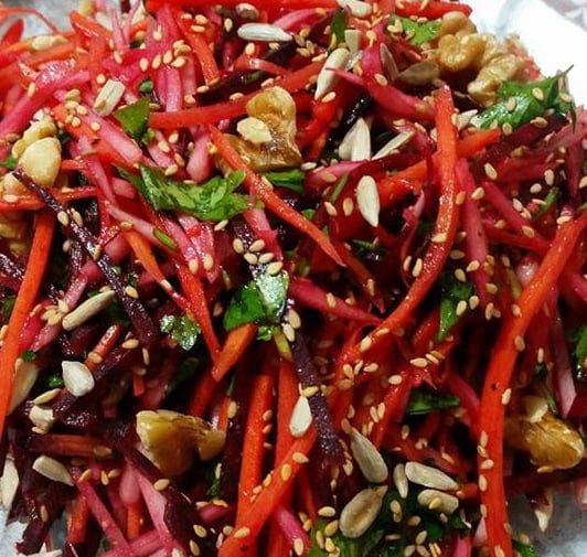 סלט ירקות שורש טעים ובריא