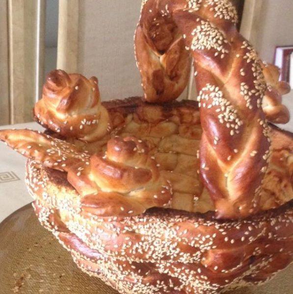 סלסלת שבועות מבצק לחם