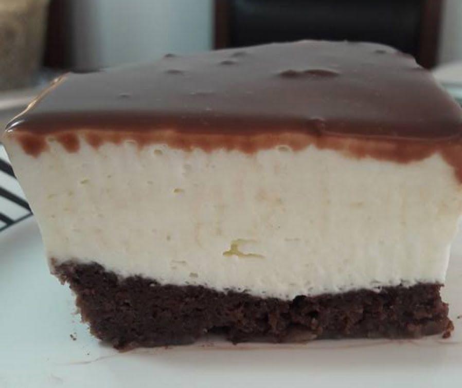 עוגה חגיגית בשלוש שכבות ללא גלוטן