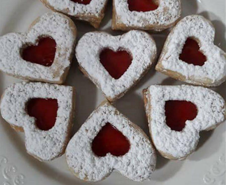 עוגיות סנדוויץ ריבה מבצק פריך נימוח פשוט נמס בפה_מתכון של שפרה אזולאי
