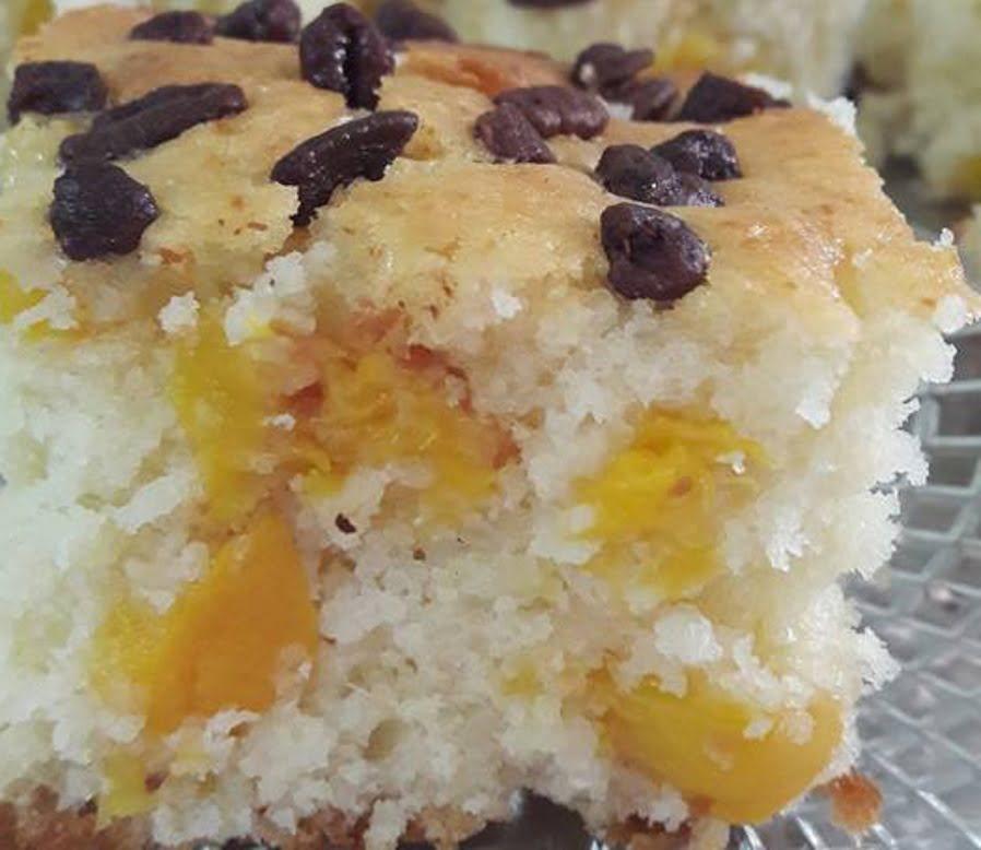 עוגת אפרסקים בחושה ,פרווה ,ללא מיקסר והכל בקערה אחת
