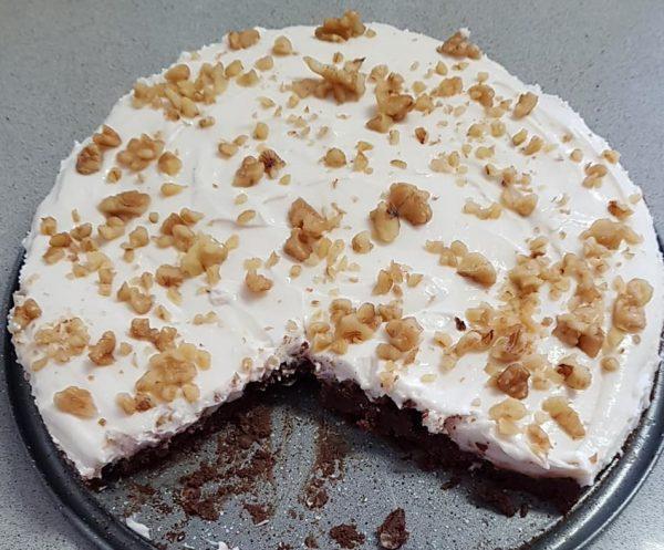 עוגת גבינה על שכבת שוקולד