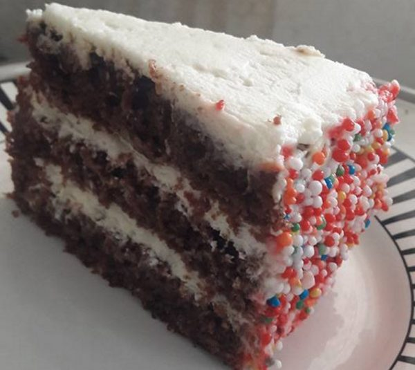 עוגת שוקולד יין פרווה – יום הולדת