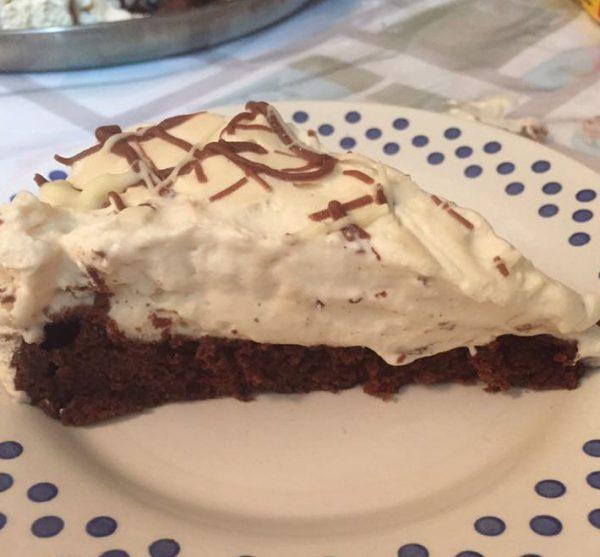 עוגת נס קפה ומוס קפה זיגוג שוקולד לבן וחלב