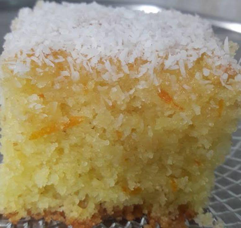 עוגת סולת בחושה פרווה שבטעמה הורסת את כל החושים