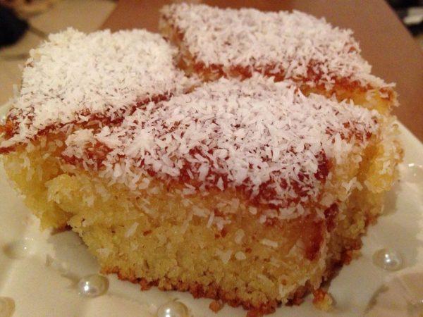 עוגת סולת בסירופ דבש