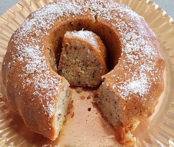 עוגת סולת קוקוס ואגוזים