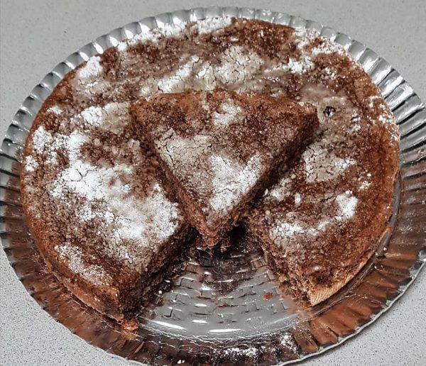 עוגת שוקולד אגוזים כשרה לפסח פרווה