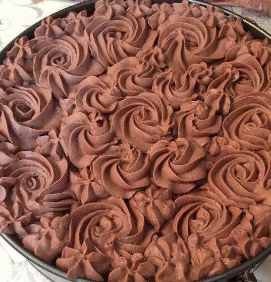 עוגת שוקולד וקוקוס עם קרם שוקולד