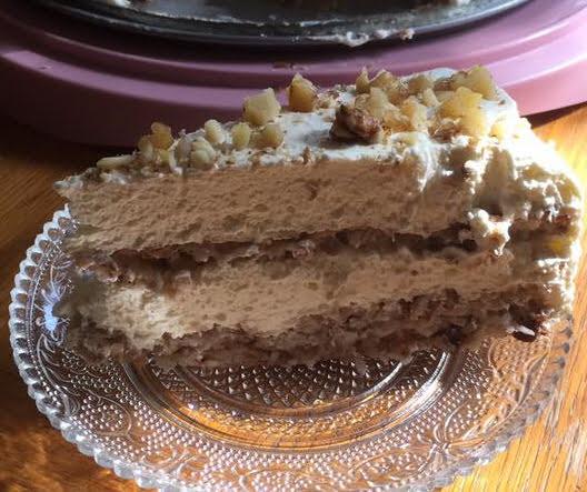 עוגת שכבות אגוזים קוקוס ושוקולד וקרם וניל