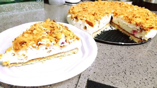 עוגת שמנת חמוצה נדירה_מתכון של עינת חנניה
