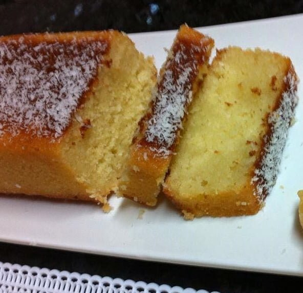 עוגת תפוזים, קוקוס וסולת בסירופ סוכר