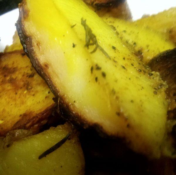 תפוחי אדמה ברוזמרין בתנור