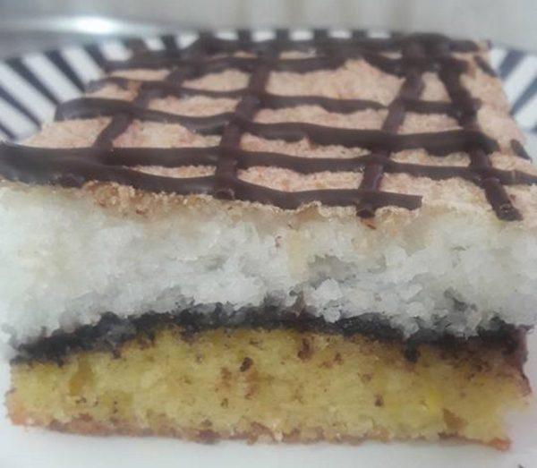 עוגת קוקוס בשכבות פרווה