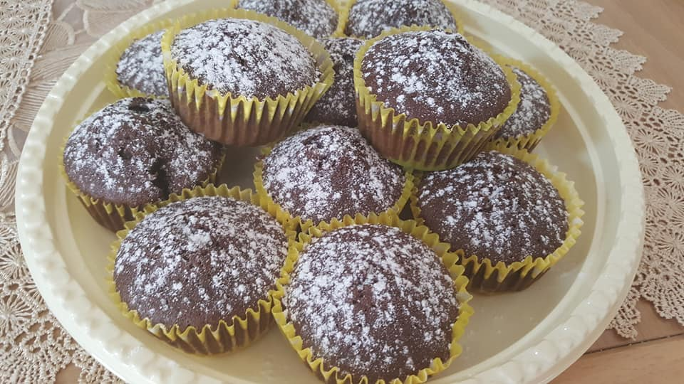 עוגות אישיות (מאפינס) תמרים ופודינג שוקולד