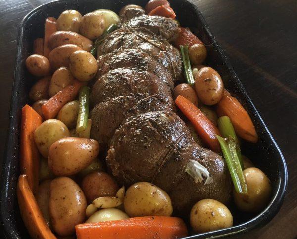 צלי בשר עם ירקות שום