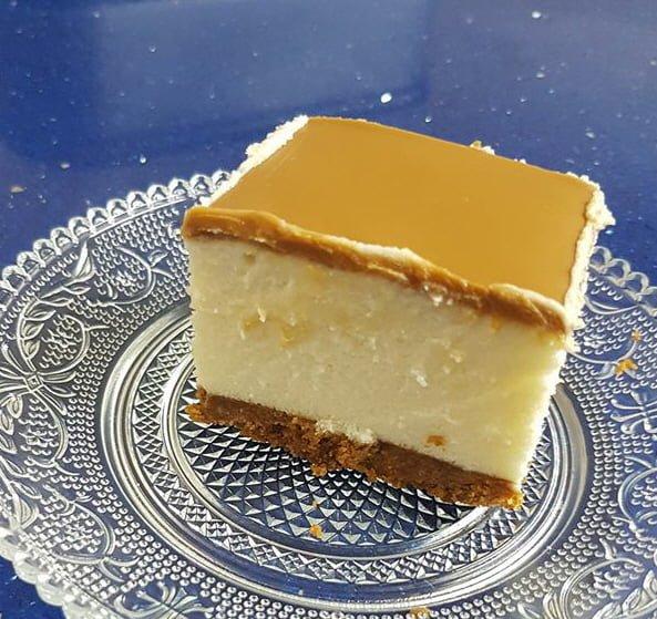 עוגת גבינה ושוקולד לבן עם לוטוס