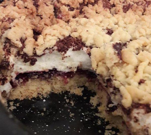 עוגה פרווה בשכבות עם קרם אפוי