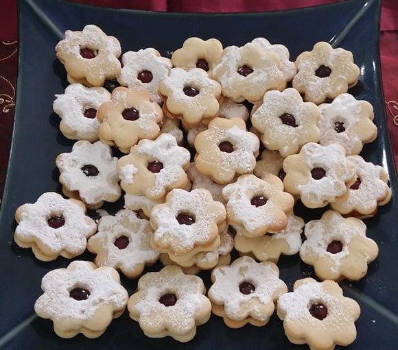 עוגיות פרחים עם ריבה