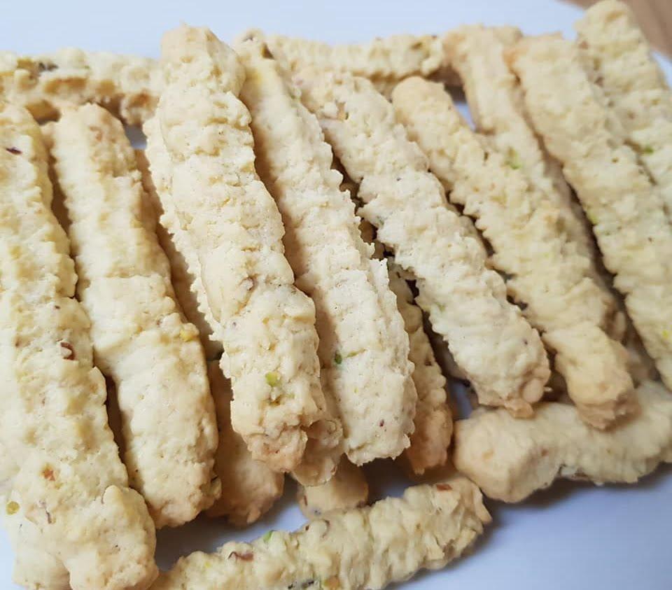 עוגיות מכונה קוקוס ואגוזים