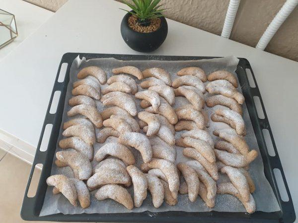 עוגיות שקדים ירח