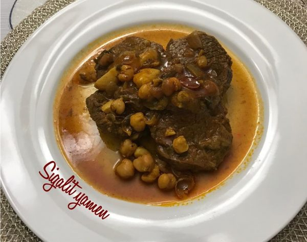 צלי בשר עם חומוס
