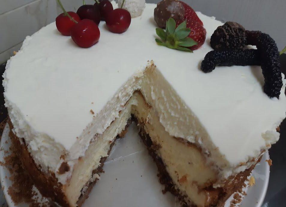 עוגת גבינה,על מצע מלית תפוחי עץ וקינמון, ללא הפרדת ביצים