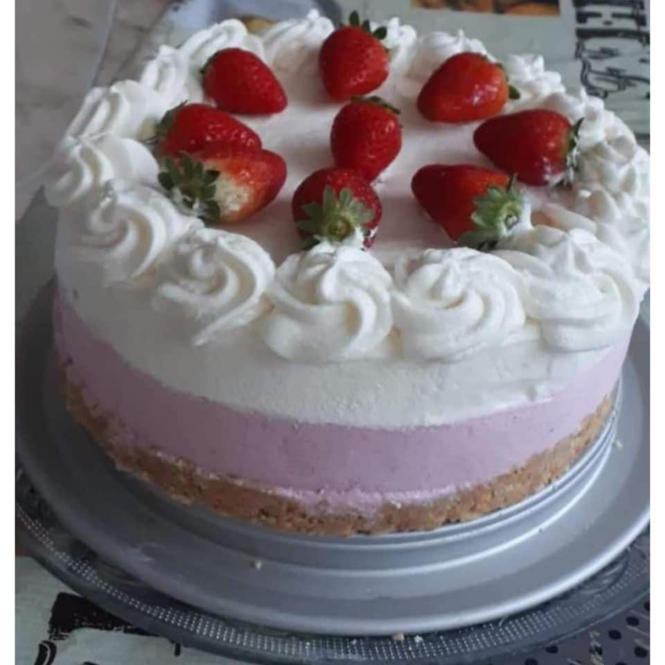 עוגת מוס תות ומרשמלו  _נאוה מלכה