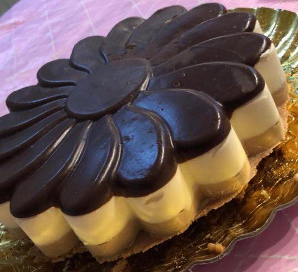 עוגת שכבות מוסים